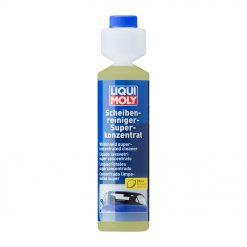 Nước rửa kính ô tô làm sạch các chất bẩn vết dầu mỡ, bụi đường,... Giúp cho kính lái luôn sạch và trong xuốt, an toàn cho sơn và cao su gạt nước.
